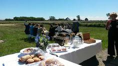 Een heerlijke picknick op het Texelse platte land.  www.welovetexel.nl
