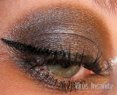 Virus Insanity eyeshadow, Devour.    www.virusinsanity.com  www.facebook.com/VirusInsanityES