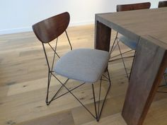 Chair w wire base