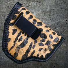 Show off your Bond Arms with our super chic Diva Sleeve in Leopard on Stingray with clip or without clip!