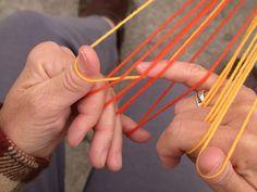 finger loop braiding, including thumbs, 9-loop braid tutorial Tablet Weaving, Loom Weaving, Hand Weaving, Lucet, Finger Weaving, Peg Loom, Weaving Textiles, Passementerie, Tapestry Crochet