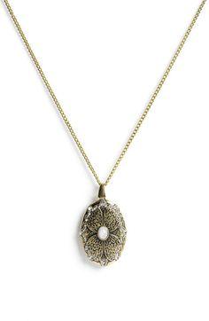 carole oval pendent necklace $16.00