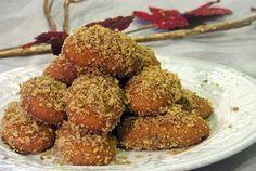 Πώς θα κάνω πιο νόστιμα τα μελομακάρονά μου; Greek Sweets, Greek Beauty, Almond, Goodies, Baking, Desserts, Food, Cakes, Christmas