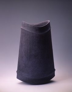 *Ceramic Vessel (by Mihara, Ken Japan) Japanese Ceramics, Japanese Pottery, Modern Ceramics, Contemporary Ceramics, Ceramic Tableware, Ceramic Clay, Ceramic Vase, Pottery Vase, Ceramic Pottery