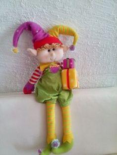 navidad con patrones: Duendes navideños Christmas In July, Christmas Elf, Handmade Christmas, Christmas Crafts, Christmas Ornaments, Santa Ho Ho Ho, Fairy Dolls, Felt Dolls, Felt Animals