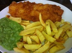 Fish & chips and mashed peas