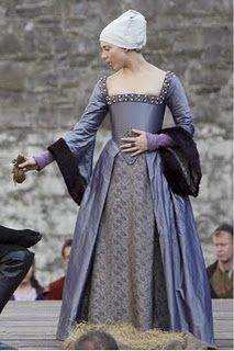 Anne Boleyn's execution dress on The Tudors. One of my favorites from the series!