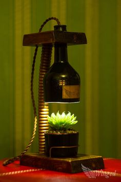 Photo of Vintage flower lamp. Diy Bottle, Wine Bottle Crafts, Bottle Art, Flower Lamp, Steampunk Lamp, Wood Lamps, Bottle Lights, Diy Home Crafts, Vintage Flowers