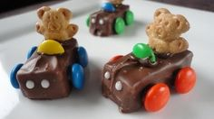 Teddy Graham Race Cars!! -- Watch Crouton Crackerjacks create this delicious recipe at http://myrecipepicks.com/26271/CroutonCrackerjacks/teddy-graham-race-cars/