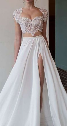 Prom Dresses 2018 Two-piece dress! 2 Piece Wedding Dress, Prom Dresses Two Piece, Prom Dresses 2018, Bridal Wedding Dresses, Quinceanera Dresses, 15 Dresses, Pretty Dresses, Evening Dresses, Prom Gowns