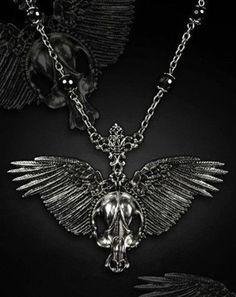 Restyle-Halskette-Fluegel-Schaedel-Gothic-Necklace-Steampunk-Skull-Wings-WGT-HR4