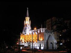 Iglesia La Ermita (Ermita de Nuestra Señora de la Soledad del Río) Largest Countries, Countries Of The World, Spanish Speaking Countries, How To Speak Spanish, Cali Colombia, Iglesias, Country, Temples, World