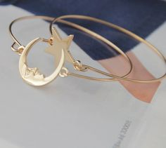 beauty moon and star bangle (2pcs price),cheap bracelet,ring,bangle,only 0.99 shop at www.costwe.com