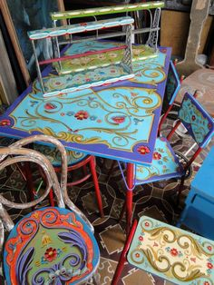 Art Furniture, Furniture Makeover, Painted Furniture, Faux Painting Techniques, Wooden Case, Painted Boxes, Arte Popular, Take A Seat, Tole Painting