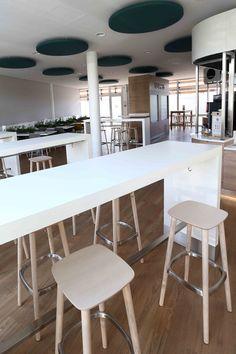 mobilier restaurant d'entreprise - mobilier restauration Restaurants, Decoration, Workshop, Retail, Bar, Table, Inspiration, Furniture, Home Decor