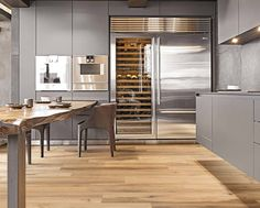 Contemporary apartment located downtown Florence, Italy, designed by Filippo Cei. Contemporary Apartment, Contemporary Interior, Modern Interior Design, Latest Kitchen Designs, Modern Kitchen Design, Arch Interior, Interior Architecture, Kitchen Interior, Kitchen Decor