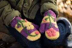 Ravelry: Spring Fever Mittens pattern by Julia Vaconsin