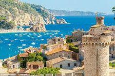 Tossa de Mar an der Costa Brava Spain Tourism, Spain Travel, Travel Europe, Solo Travel, Spain Country, Property Guide, Spain Images, Ebro, Paisajes