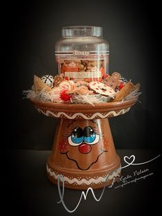 Gingerbread Christmas Decor, Gingerbread Crafts, Candy Christmas Decorations, Gingerbread Man, Etsy Christmas, Clay Pot Projects, Clay Pot Crafts, Holiday Crafts, Shell Crafts
