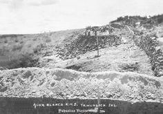 Construccion de la carretera Yahualica---Tepatitlan , ,, Yahualica Jalisco Mex.