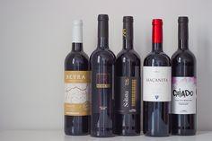 Os vinhos portugueses na Mercearia. Espreite e veja a proposta de 5 Vinhos Tintos portugueses.