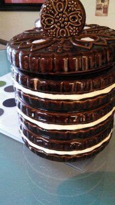 Found at the Mother Lode: an old cookie jar (side view)