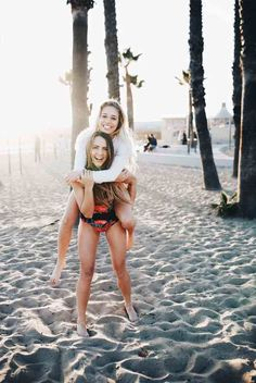 Best friends and the beach... all you need. | @albionfit Jill Emmaline
