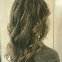 Curls Prom Hairstyles, Curls, Long Hair Styles, Beauty, Long Hairstyle, Prom Hair, Long Haircuts, Long Hair Cuts, Beauty Illustration