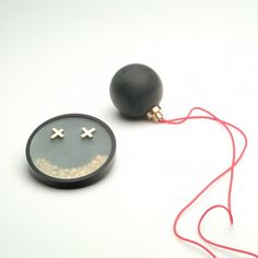 Sigurd Bronger, Smile-brooch and Ball-pendant