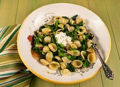 ORECCHIETTE WITH BROCCOLI RABE, SUN-DRIED TOMATOES AND GOAT CHEESE http://www.italianfoodforever.com/2012/11/orecchiette-with-broccoli-rabe-sun-dried-tomatoes-goat-cheese/