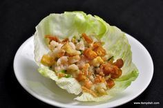 Shrimps and lettuce with the crisp of vegetable, shrimp lettuce wraps is best recipe for a light Chinese meal!