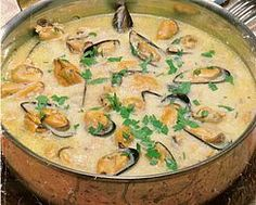 Moules à la sauce poulette- Caroline ccc - Brahma Chickens Seafood Pasta Recipes, Seafood Dishes, Fish And Seafood, Meat Recipes, Cooking Recipes, Fish Dishes, Main Dishes, Sauce For Chicken, Food And Drink
