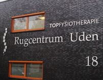 Topfysiotherapie Rugcentrum Uden Freestekst op gevel.