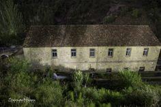 Antigua piscifactoría. Benamahoma, Cádiz. Foto: Salvador Moreno #photo #Nocturna Andalucia Spain, House Styles, Night Photography, Nocturne, El Salvador, Antigua, Fotografia
