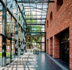 Malopolska: Kunstgarten in Krakau, Polen – Dress Models – OKI – industrial Architecture Renovation, Building Renovation, Industrial Architecture, Amazing Architecture, Modern Architecture, Factory Architecture, Urban Loft, Adaptive Reuse, Old Buildings