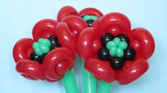 Do it yourself a poppy flower of twisting balloons :)