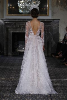 Take a look at the best Winter Wedding dresses 2017 in the photos below and get ideas for your wedding! The 5 winter wedding color schemes that are going to be all over the 2016 to 2017 winter wedding season! Wedding Dress Winter, Wedding Dress Backs, 2016 Wedding Dresses, Wedding Dress Trends, Winter Dresses, Wedding Attire, Bridal Dresses, Wedding Gowns, Lavender Wedding Dress