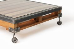 Pallet Table by www.iwantprimary.co.nz  Gotta get one.