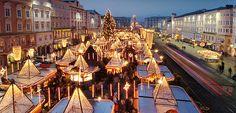 Christmas market on the main square in Linz, Upper Austria #feelaustria