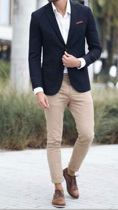 Navy Blue Blazer: Men& Outfit Essential (Everything You Need to Know) - Although . - Navy Blue Blazer: Men& Outfit Essential (Everything You Need to Know) – Although most of us - Navy Blazer Outfits, Blue Blazer Men, Blazer Bleu, Blue Blazers, Blazer Jacket, Trajes Business Casual, Business Casual Outfits, Business Fashion, Business Suits Men