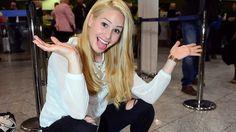 """Mit einem Ultraschall-Bild auf Facebook sorgte Angelina Heger für Aufregung. Die Fans gratulierten schon zum Nachwuchs. Dann klärte die Ex-""""Bachelor""""-Kandidatin auf: Sie wird nicht Mama sondern Tante – und kassiert für ihr fragwürdiges Verwirrungs-Posting einen üblen Shitstorm."""
