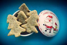 Biscuiti cu unt si nuca | Biscuiti pentru copii Healthy Desserts For Kids, Unt, Biscuit, Merry, Cookies, Food, Banana, Cookie Favors, Biscuits