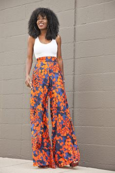 Palazzo Pants Outfit For Work. 14 Budget Palazzo Pant Outfits for Work You Should Try. Palazzo pants for fall casual and boho print. Look Fashion, Fashion Outfits, Fashion Women, Winter Fashion, Maxi Pants, Flowy Pants Outfit, Harem Pants, Palazzo Trousers, High Waisted Palazzo Pants
