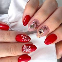 Christmas nails should reflect your holiday mood. It happens so that we know about all the best ideas in existence and we are willing to share! Elegant Nail Designs, Holiday Nail Designs, Gel Designs, Elegant Nails, Christmas Manicure, Christmas Nail Art, Holiday Nails, Funny Christmas, Holiday Mood