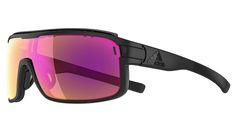 Adidas Zonyk Pro heeft door het 'Extreme Wrap around design' een maximaal gezichtsveld met uitstekende bescherming van je ogen tegen vuil en wind. De lenshoek is in hoogte verstelbaar voor maximale pasvorm.