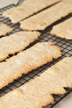 Make your own Whole Grain Olive Oil Crackers, legally
