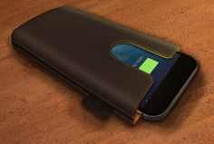 The Ampere charging sleeve is the world's first smart wireless charging sleeve. It is a sleeve with an entire new look and feel that automates and simplifies your charging experience.