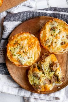 Mini Breakfast Quiche, Chicken Breakfast, Sausage Breakfast, Breakfast Recipes, Breakfast Ideas, Brunch Ideas, Cooking For One, Easy Cooking, A Food