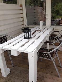 Pallet porch table #PalletTable, #PalletTerrace, #RecycledPallet