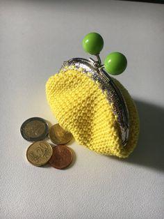 Porte-monnaie jaune et vert - Un grand marché